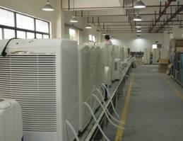 双层导风板双驱动设计的空调