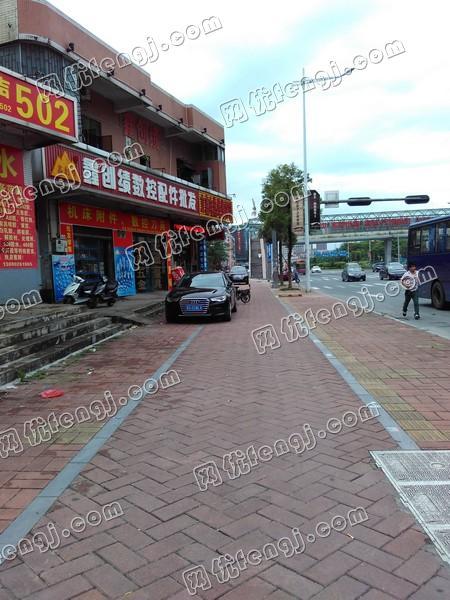 东莞厚街桥头二手鞋机市场111.jpg