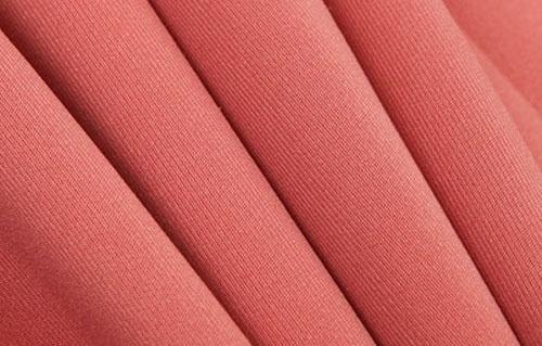 今年1-8月浙江丝绸业生产经营情况